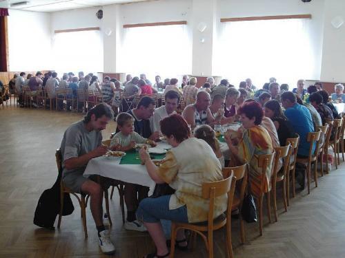 V kulturním domě bylo pronávštěvníky připraveno pohoštění